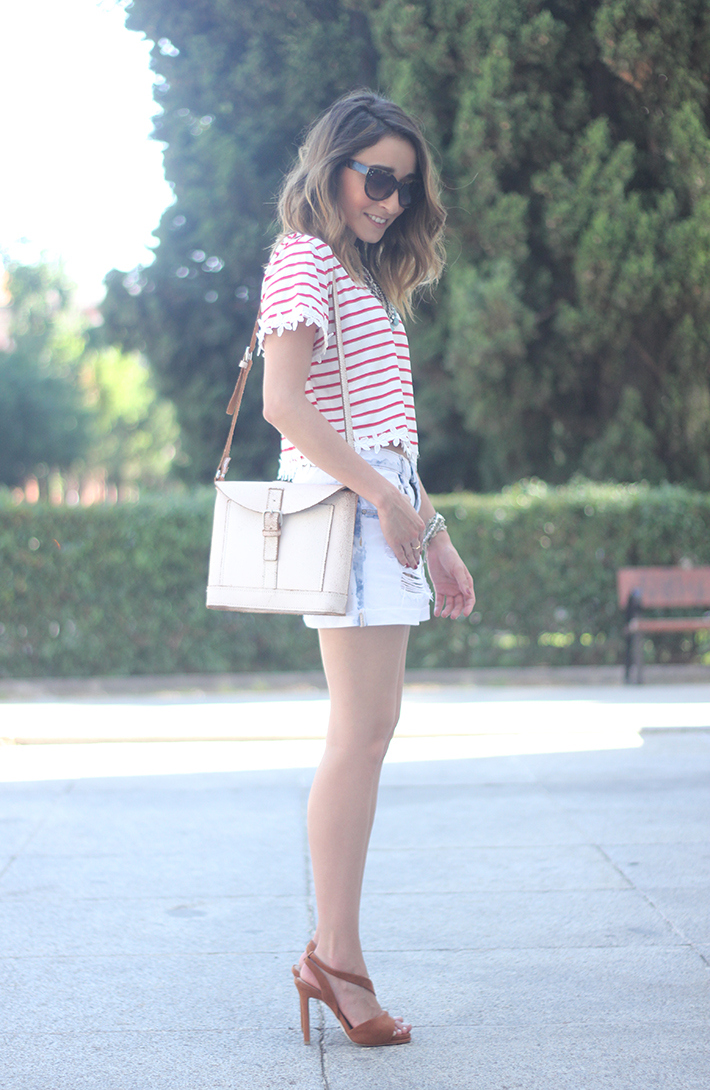 Striped T-Shirt With Denim Shorts08