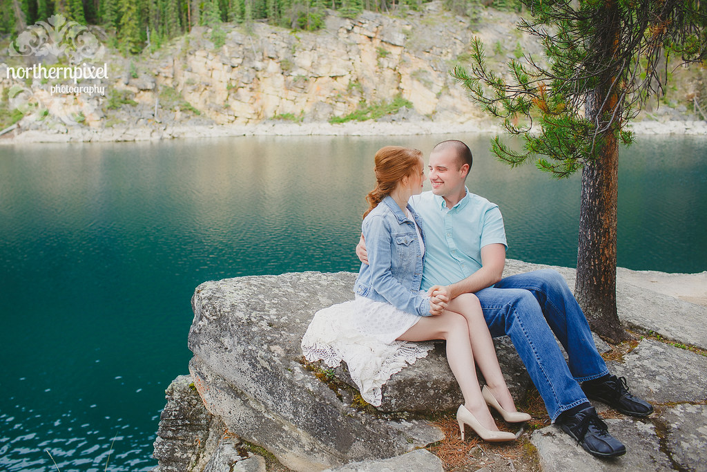 Vikki & Jonathan's Engagement Session