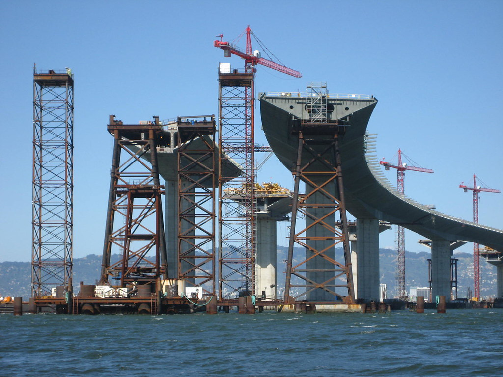 Building the new bay bridge the new eastern span of the for Architecte tower bridge