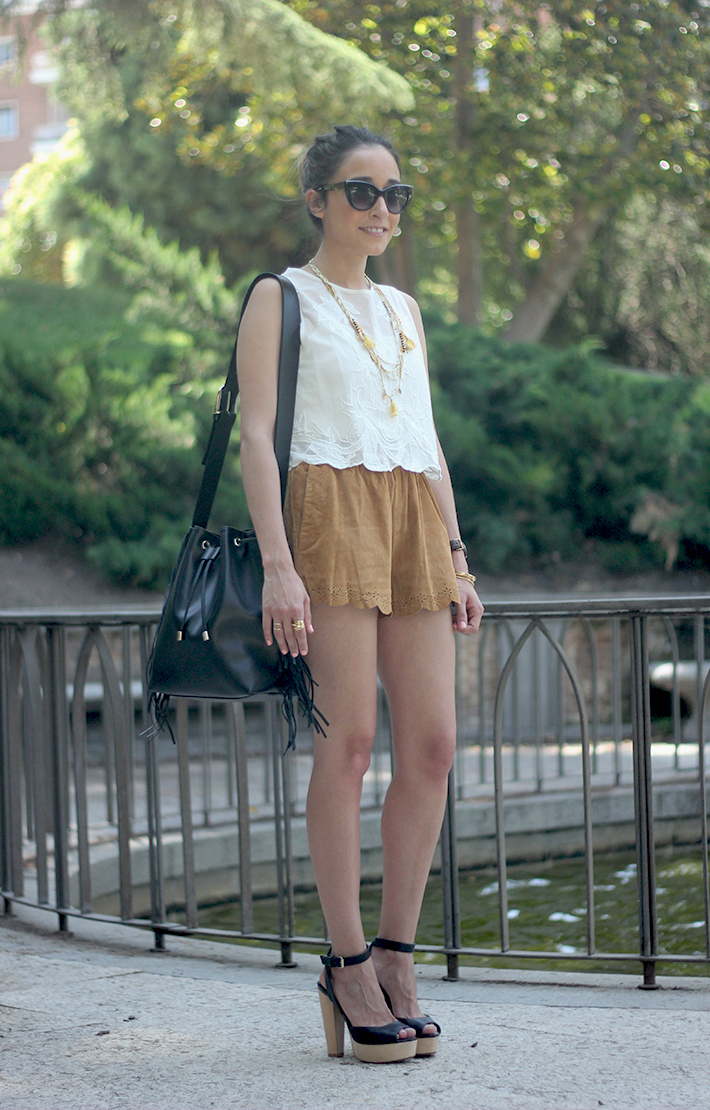 Suede Shorts White Top Summer Outfit02