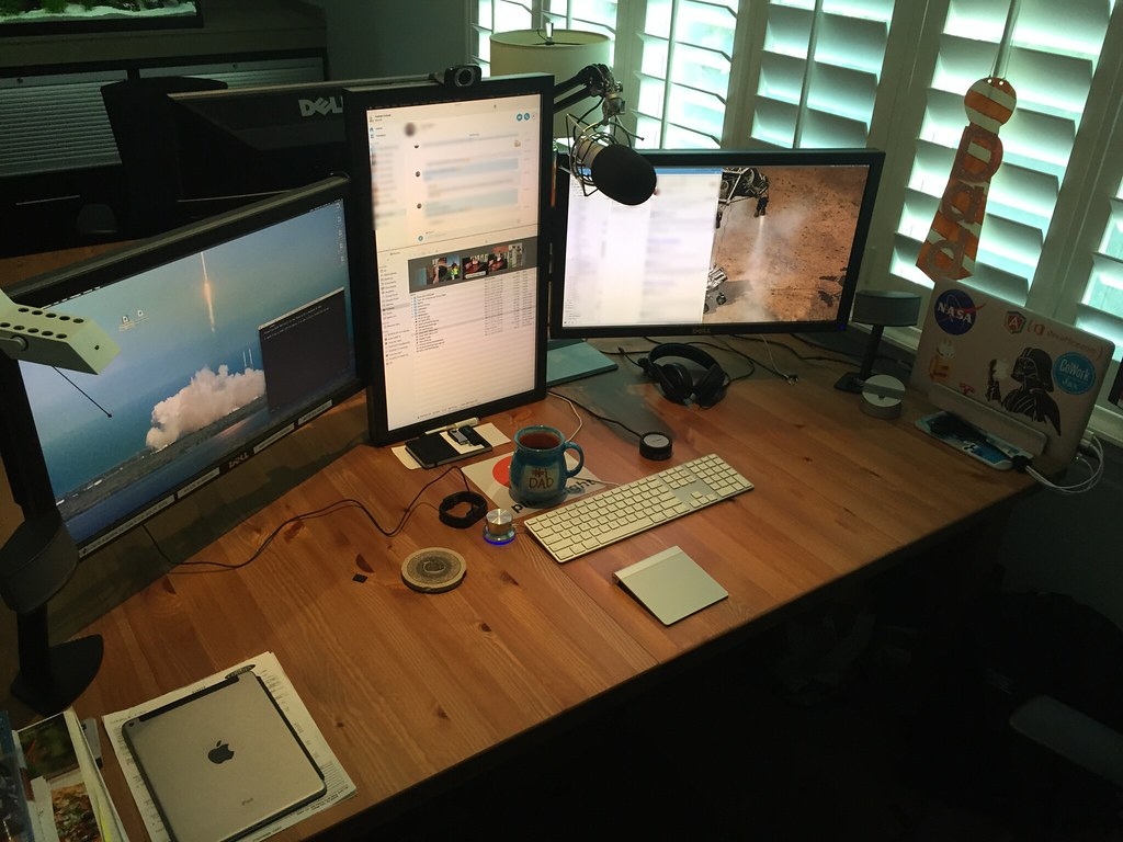Home Office Work Desk - Three Monitors | There are three ...