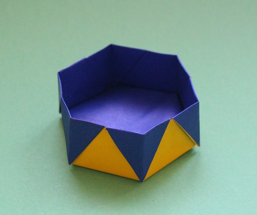 Hexagonal Box by Anna Kastlunger | by origami_8