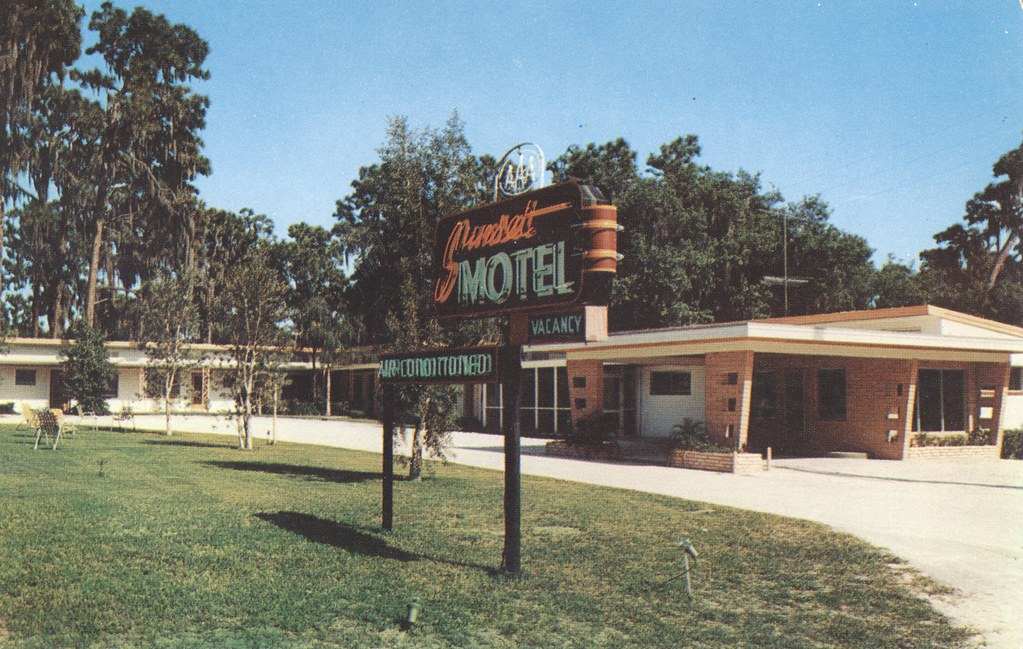 Sunset Motel - Leesburg, Florida