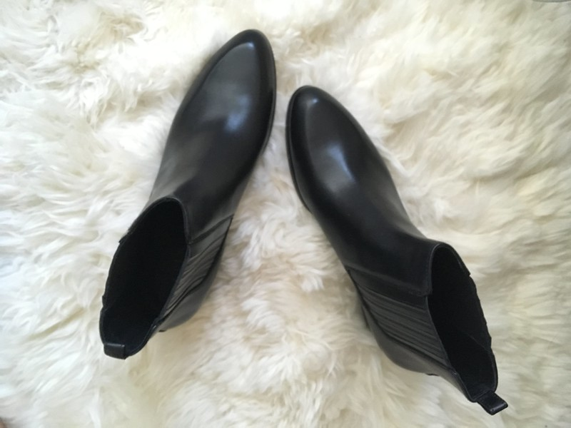 classcic new collection delicate colors to shop / j.crew chelsea boots in black leather review