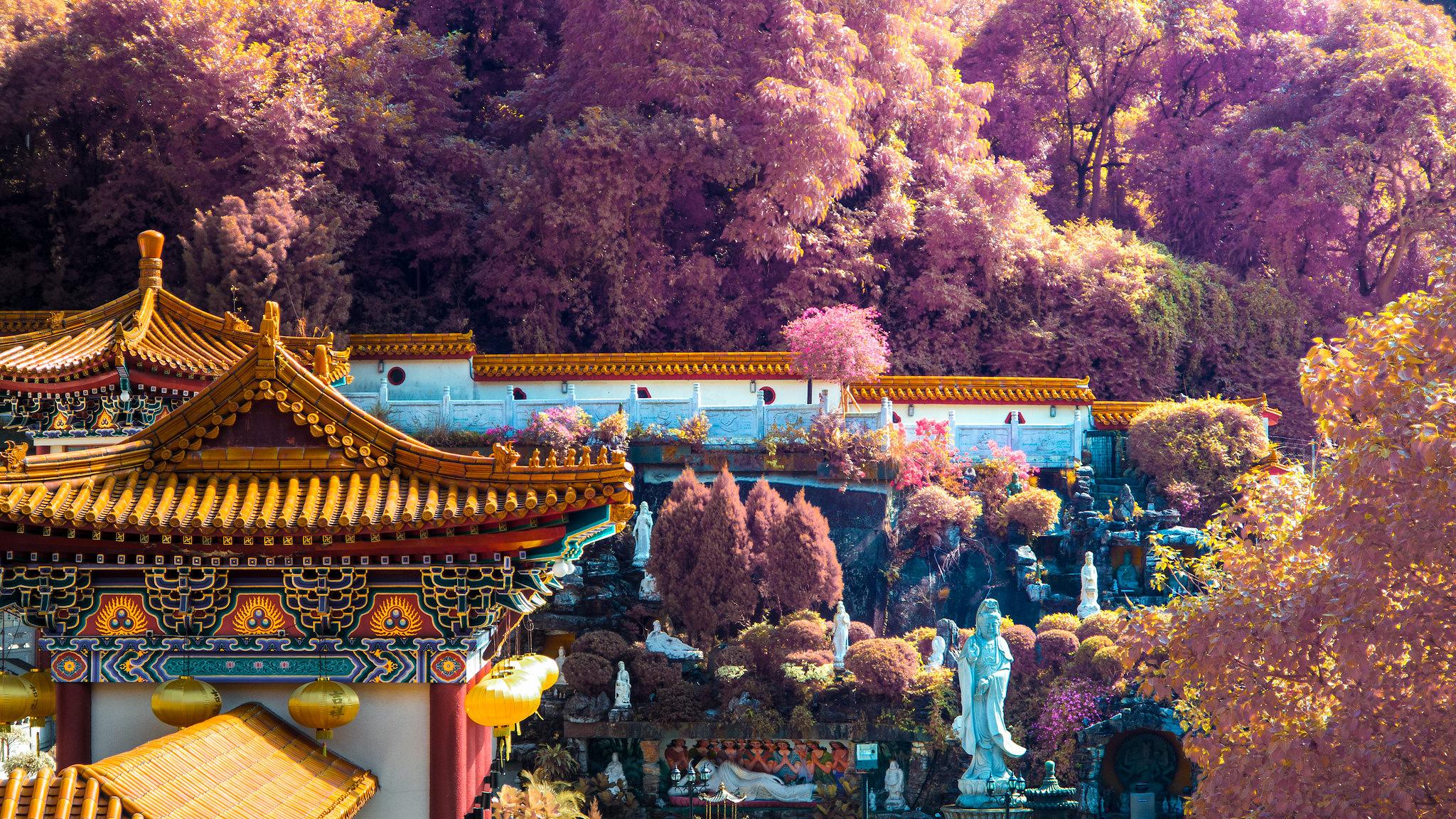 infrared Hong Kong temple
