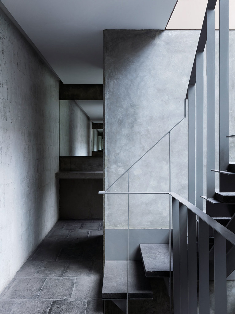 Villa renovation for Galería OMR by Mateo Riestra, José Arnaud-Bello and Max von Werz Sundeno_05