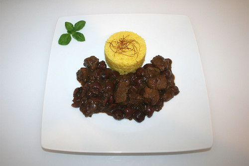 49 - Khoresh-e Albaloo - Lamb in persian sour cherry sauce - Served / Lamm in persischer Sauerkirschsauce - Serviert