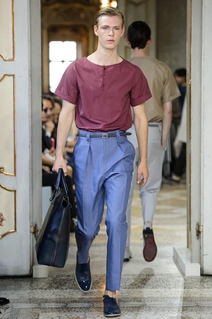 SS16 Milan Corneliani008_Simon Fitskie(fashionising.com)