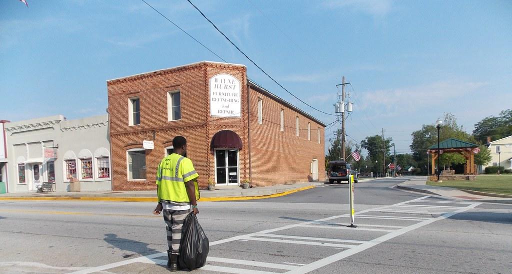By Bamaboy1941 Wayne Hurst Furniture Repairs   Logansville, Ga.   By  Bamaboy1941