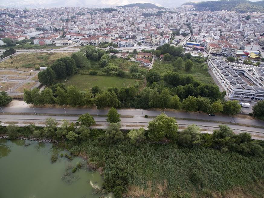 Μια κρίσιμη παραλίμνια έκταση ανήκει πλέον στο Δήμο Ιωαννιτών, μετά από συντονισμένη διεκδίκηση και ολοκληρωμένο σχέδιο αξιοποίησης της