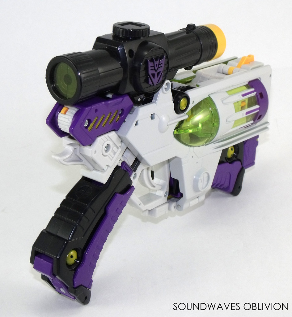 Soundwaves Oblivion: Transformer Toy Archive: Megatron (Classics Voyager,  2006)