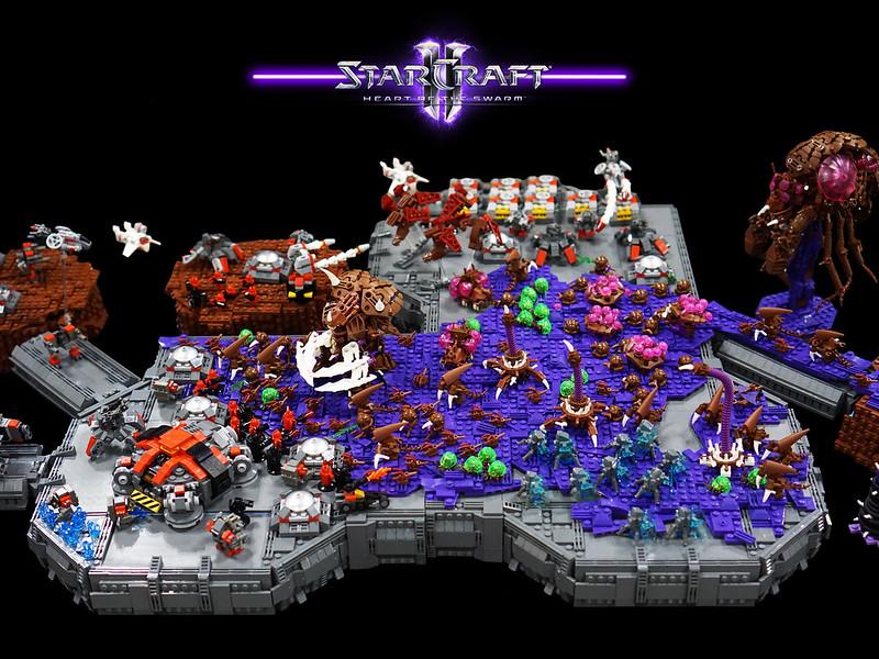 Massive LEGO Starcraft II MOC 19260333621_66d62e8088_c