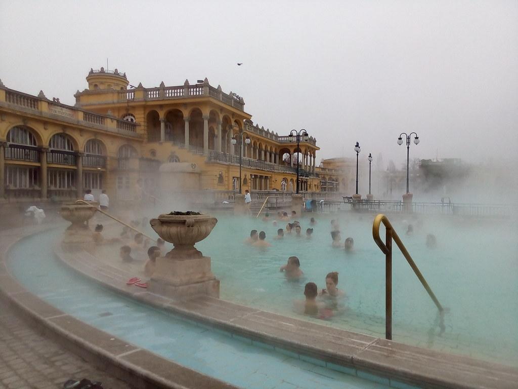 Piscinas de águas termais em Budapeste