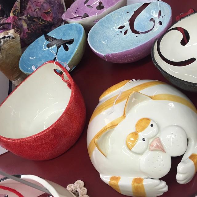 Sono bellissime le tazze per la maglia da Falcetto:) in love with these knitting bowls:)