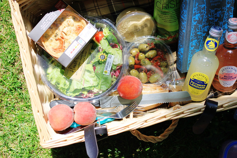eating outdoors picnic recipes