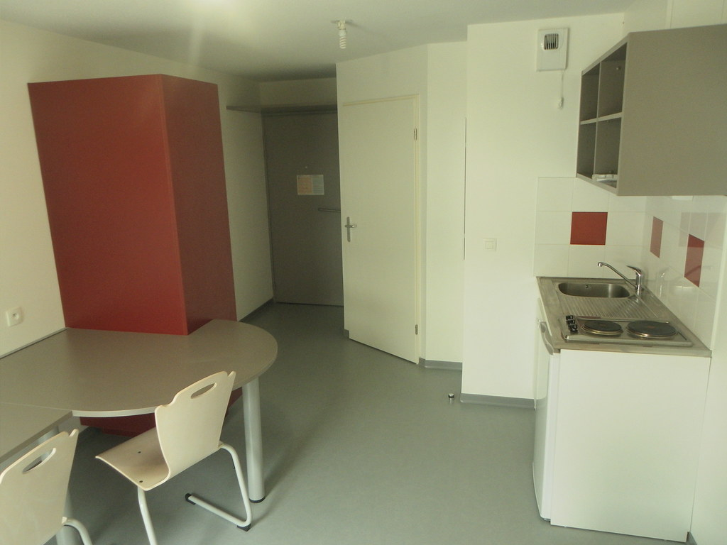 R sidence universitaire crous ausone pessac chambre for Appartement universitaire bordeaux