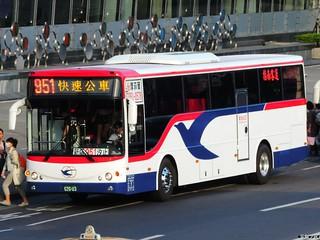 指南客運 951 626-U3 20141129