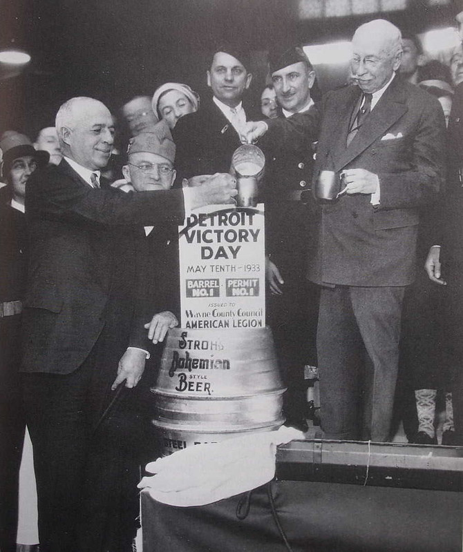 1933 : First Legal Glass of Beer Poured After Prohibition