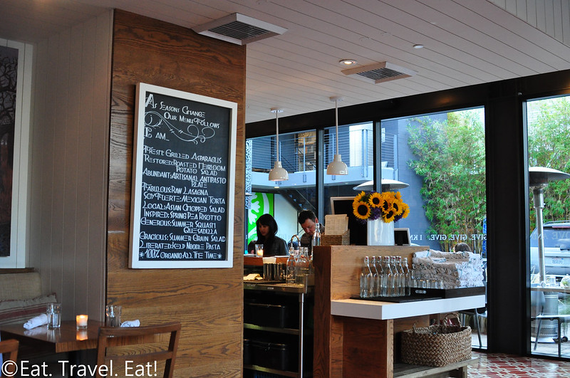 Cafe Gratitude- Los Angeles (Larchmont), CA: Interior
