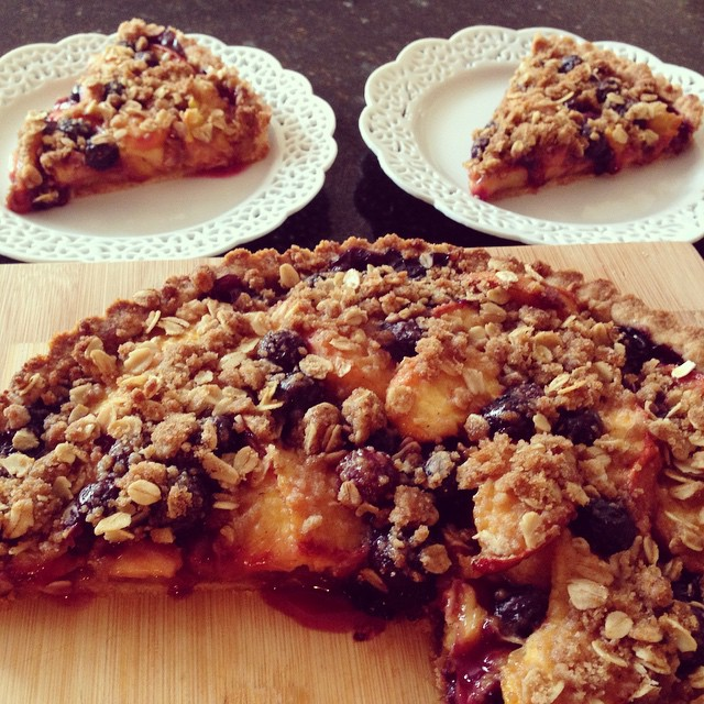 Peach and blueberry tart for a rainy Sunday.