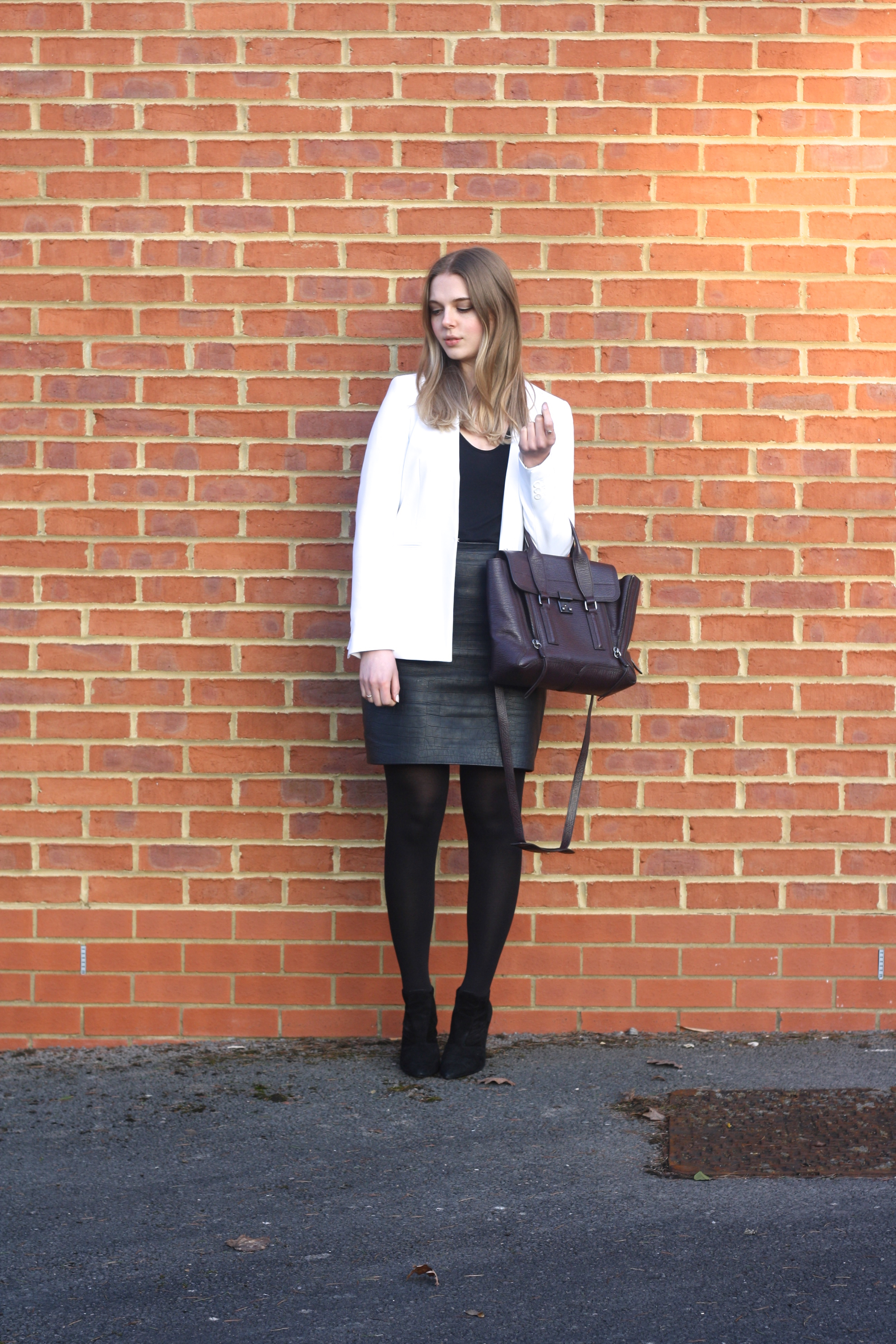 Topshop Boutique black leather skirt, Zara white blazer and Topshop black tee
