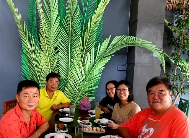 Lunch with cousins Alister & Yuk Ping