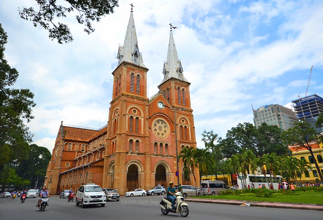 diy saigon city tour NOTRE DAME CATHEDRAL