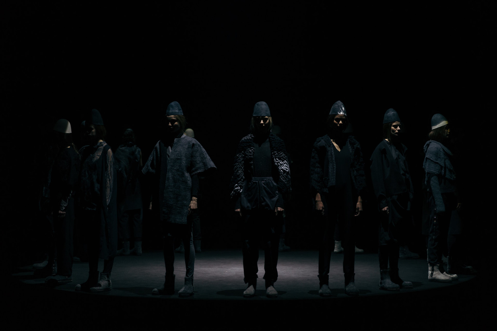 Jessie Chanes - Seams for a desire - 080 Bacelona Fashion #080bcnfasion -31