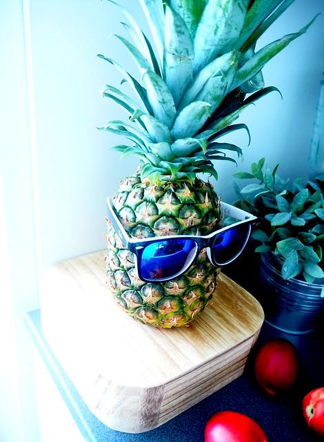 ananasaurinkolasit2,ananas15, pineapple, sunglasses, aurinkolasit, ananas ja aurinkolasit, pineapple and sunglasses, sunnies, kesä, summer, hedelmä, fruit, funny, hauska, loma, holiday, pic,