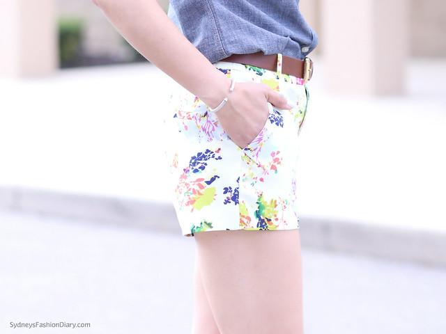 FloralShortsChambrayShirt_SydneysFashionDIary