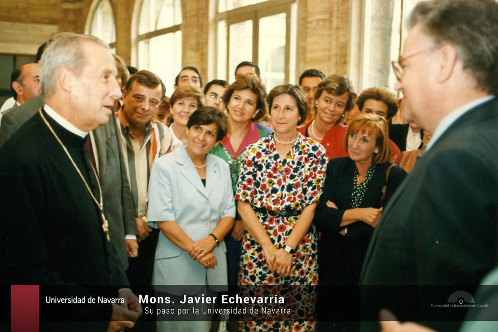 Mons. Javier Echevarría, su paso por la Universidad de Navarra
