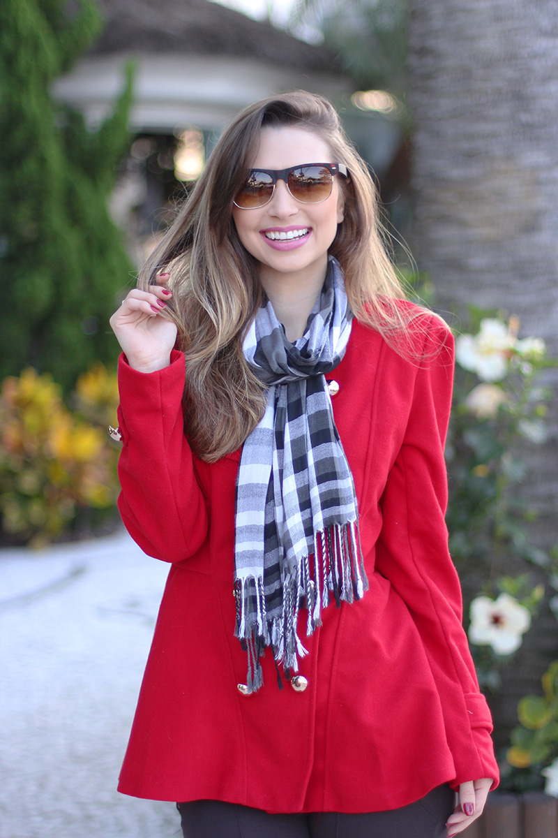 4-look do dia para o frio com casaco vermelho