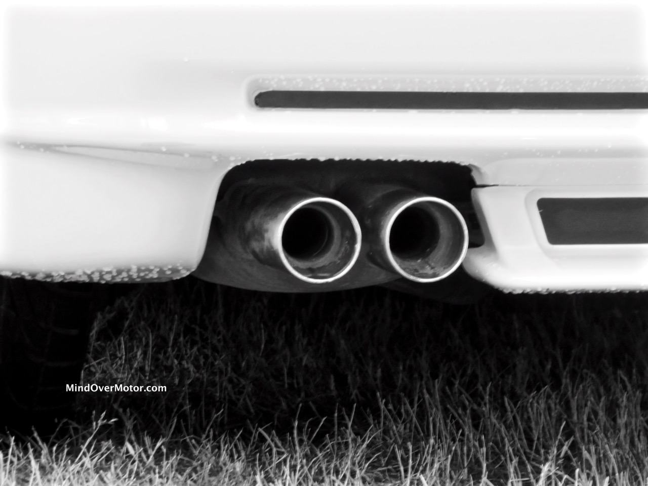 BMW 850CSi Exhaust