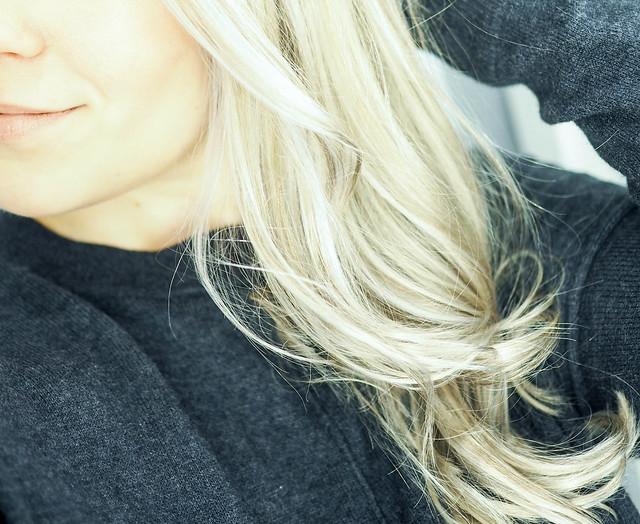 PC219905.jpgBlondeGrayCurlyHairHighlights,PC219889.jpgGrayLightBlondeHighlightsNewHairPC219839.jpgLightGrayBlondeHairNewHair, new year new hair, uusi vuosi uudet hiukset, cold blonde highlights, kylmän vaaleat raidat, hopea, silver, cold, kylmä, clear, kirkas, haircolor, hiustenväri, kampaaja, kampaamo, hairdresser, helsinki, hiukset, hair, kauneus, beauty, vaaleat hiukset, blonde hair, blond, hairstyling, hiusten muotoilu, kiharat, curls, pitkät hiukset, long hair, cold light color, silver tone, hopean sävy, kylmä sävy, cold silver, light blond, cold tone, inspiration, hairinspo,