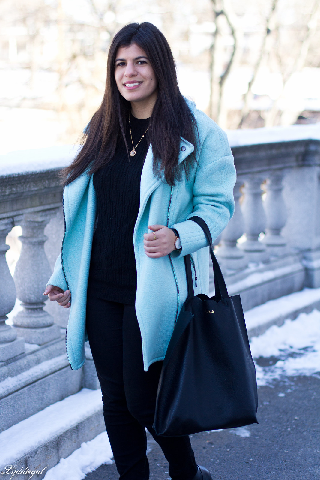 mint cocoon coat, black sweater, scalloped tilly tote-6.jpg