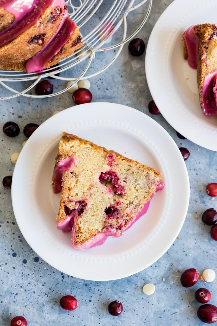 Sparkling Prosecco Cranberry Bundt Cake www.pineappleandoconut.com