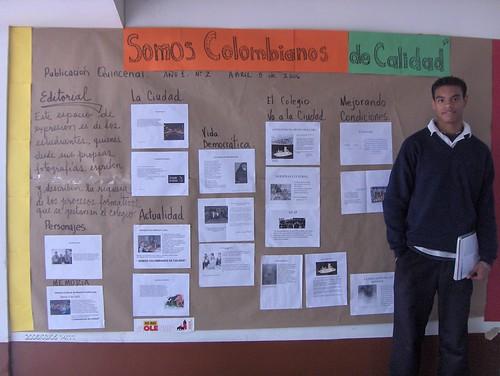 Periodico mural en nuestra escuela los muchachos for Elaborar un periodico mural