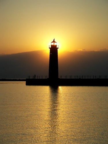 Backlit harbor light | by curlyson