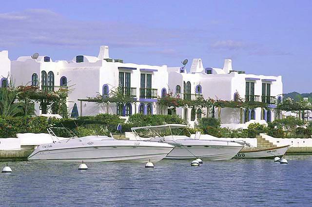 puerto encantado villas griegas region barlovento