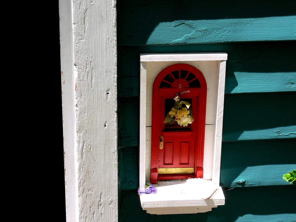 Fairy Door At Red Shoes 332 S Ashley St Ann Arbor Flickr