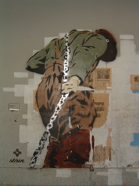 Pulling The Chain Magnificent Man Pulling Chain David Czarnecki Flickr