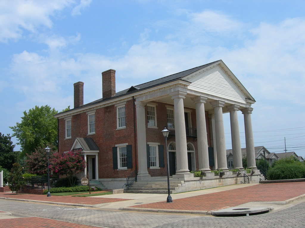 Old state bank decatur alabama listed on the national for Home builders decatur al