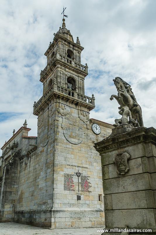 Excolegiata de Santiago de Cangas y estatua de Santiago Apostol