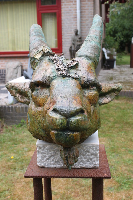 20150621_6713-goat-head-sculpture