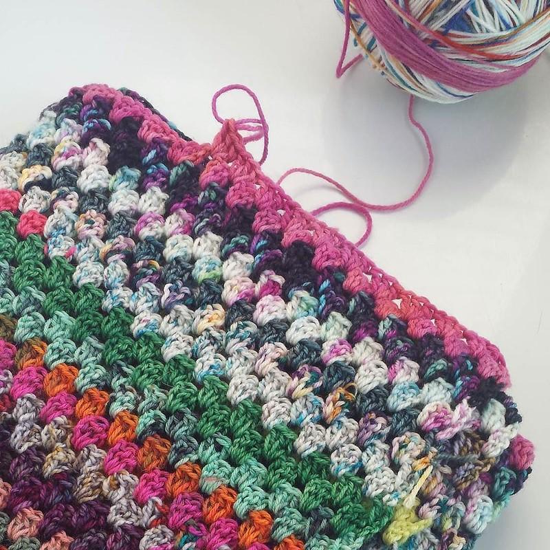 hard to put down... but, I will, my hand insists. 😣 #crochetersofinstagram #crochetgirlgang #craftastherapy #scrappygranny #grannystripeblanket #crochetrabbithole #makersgonnamake
