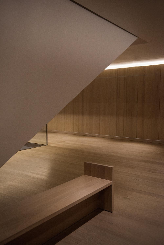 Mikkoputtonen_Turo_Designmuseum_london_Marni_outfit_architecture_minimal16_web