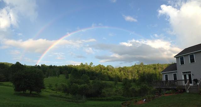 Complete rainbow arc