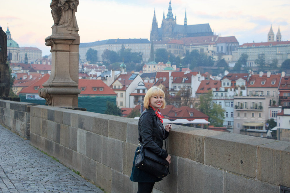 Black Jo Totes Abby Bag in Prague on Charles Bridge