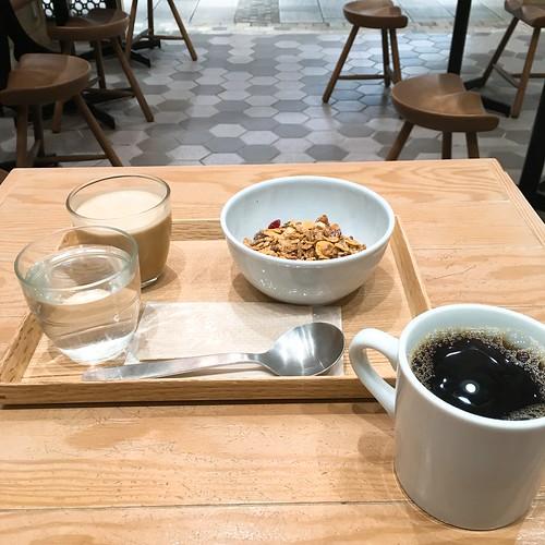 【平日モーニング】グラノーラセット 猿田彦珈琲 アトレ恵比寿店