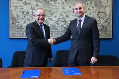 24/01/2017 - Firma de convenio de colaboración entre la Facultad de Ingeniería y Caja de Ingenieros
